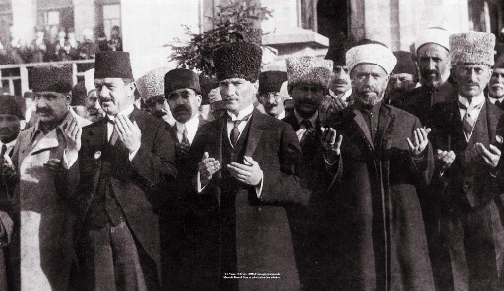 Milletten Vatandaşlığa Türk/Türklük/Türkçülük/Türkiyelilik